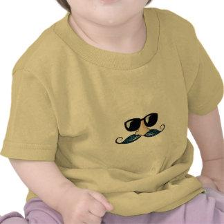 Vidros azuis do brilho do bigode camisetas