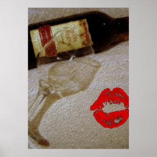 Vidros de vinho tinto românticos do beijo eu amo o pôster