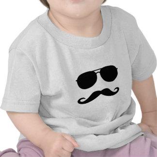Vidros e bigode camisetas