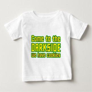 Vindo ao Darkside nós temos biscoitos Camiseta Para Bebê