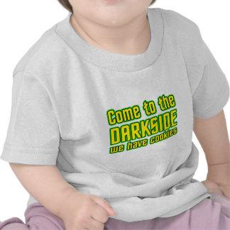 Vindo ao Darkside nós temos biscoitos T-shirts