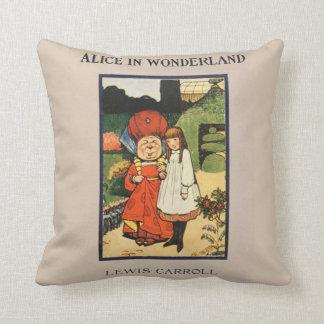 Vintage Alice no livro de Lewis Carroll do país Almofada