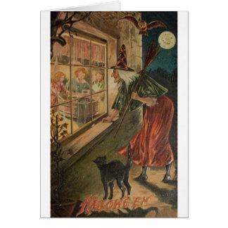 Vintage que olha o cartão do Dia das Bruxas da