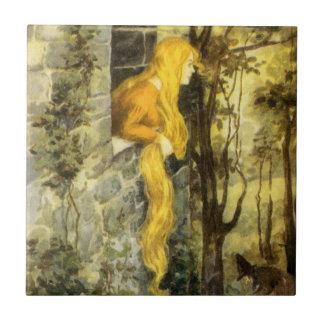 Vintage Rapunzel. Princesa com cabelo louro longo Azulejo De Cerâmica