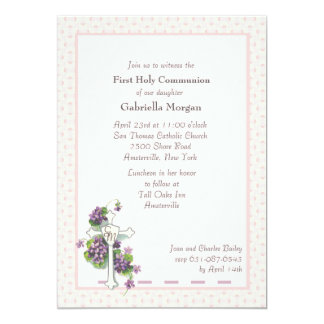 Violetas e convite religioso da cruz