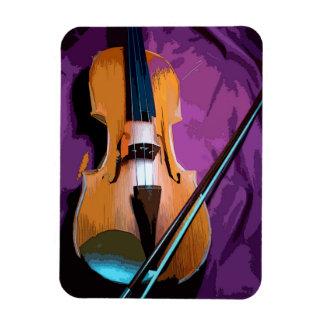 Violino elegante no ímã de seda roxo da foto