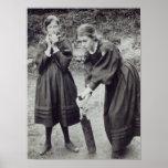 Virgínia e Vanessa Stephen, em St Ives, 1894 Poster
