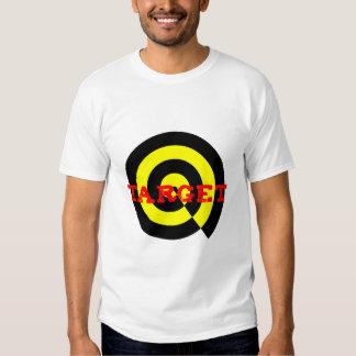 Vise no amarelo preto vermelho no t-shirt dos