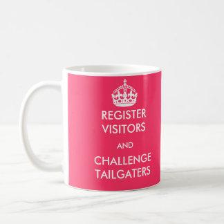 Visitantes do registro e caneca de Tailgaters do