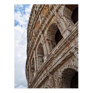 Vista acima no cartão romano de Colosseo