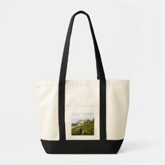 Vista da vila fortificada foto bolsas para compras