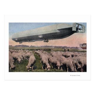 Vista de um dirigível do zepelim sobre a pastagem cartão postal
