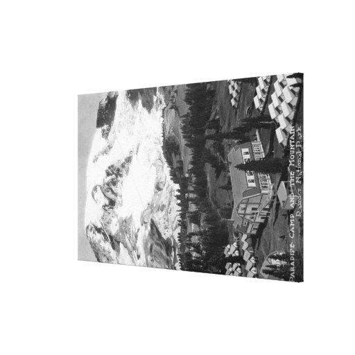 Vista do acampamento do paraíso e do Mt mais chuvo Impressão De Canvas Esticada