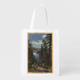 Vista do lago através dos pinhos # 2 sacolas reusáveis