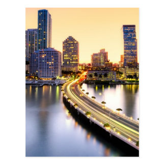 Vista do mandarino Miami oriental com reflexão Cartão Postal