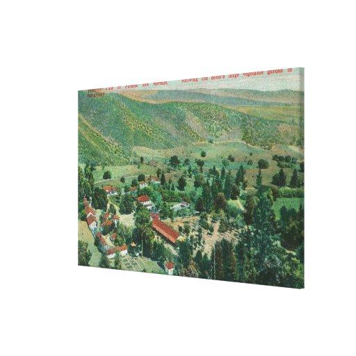 Vista exterior de Paraiso Hot Springs e jardins Impressão De Canvas Envolvidas