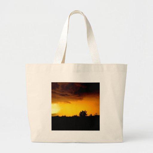 Vista perturbada céu bolsa para compras