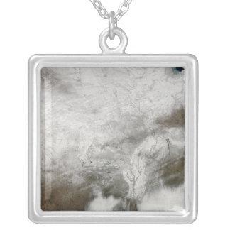 Vista satélite de uma tempestade severa do inverno bijuterias