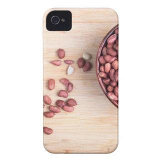 Vista superior de uma bacia marrom com amendoins capa para iPhone 4 Case-Mate