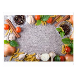 Vista superior dos ingredientes para uma refeição cartão postal