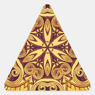 Vitral festivo do ouro e do rosa da obscuridade adesivo triangular