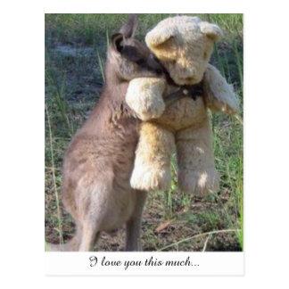 Wallaby que abraça o amor teddybear do cartão você