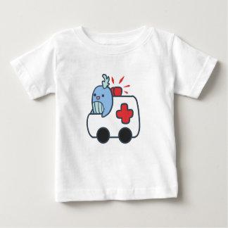 Whalbulance caçoa a camisa