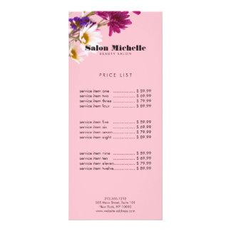 Wildflowers chiques e salão de beleza cor-de-rosa panfleto