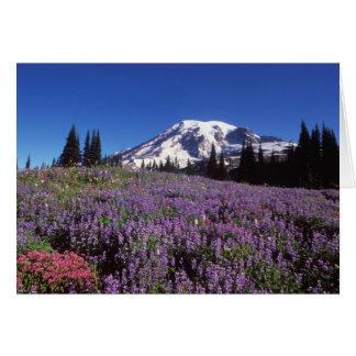 wildflowers do verão na base do Monte Rainier, Cartão Comemorativo