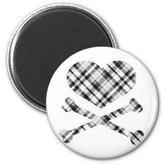 xadrez preta branca dos ossos do coração e da cruz ímã redondo 5.08cm