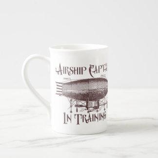 Xícara De Chá Capitão do dirigível no treinamento, Steampunk