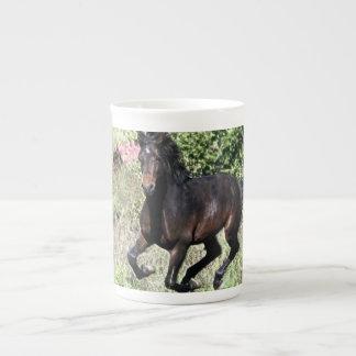 Xícara De Chá Cavalo de galope da castanha