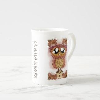Xícara De Chá Estar-folha da coruja em Hoo-Hoo (em outubro de