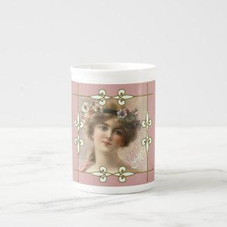 Xícara De Chá Mulher do Victorian do monograma de Nouveau da