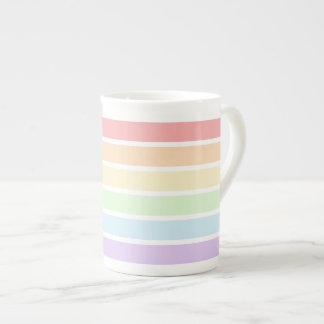 Xícara De Chá O arco-íris Pastel listra o copo de chá