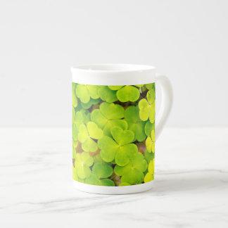 Xícara De Chá Porcelana - trevos de sorte