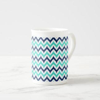 Xícara De Chá Teste padrão de Ikat do ziguezague do branco, da