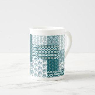 Xícara De Chá Teste padrão étnico chique, cerceta e branco dos