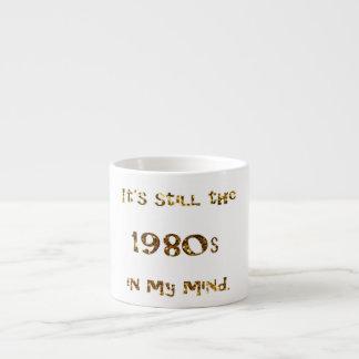 Xícara De Espresso brilho do ouro da nostalgia dos anos 80
