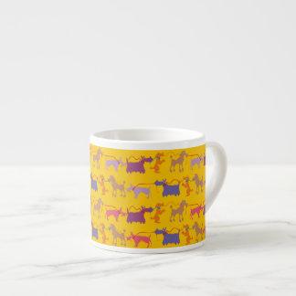 Xícara De Espresso Cães engraçados com ligação