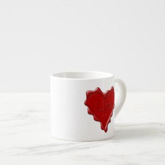 Xícara De Espresso Lisa. Selo vermelho da cera do coração com Lisa