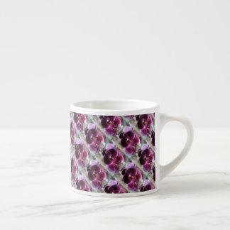 Xícara De Espresso Orquídeas de traça roxas escuras