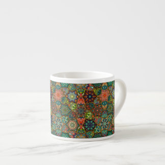 Xícara De Espresso Retalhos do vintage com elementos florais da
