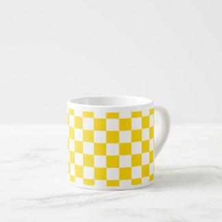 Xícara De Espresso Tabuleiro de damas amarelo