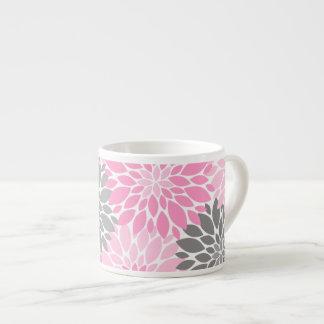 Xícara De Espresso Teste padrão floral dos crisântemos cor-de-rosa e