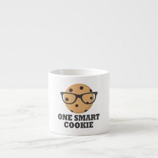 Xícara De Espresso Um biscoito esperto