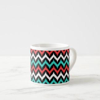 Xícara De Espresso Ziguezague Ikat preto, branco, de turquesa e de