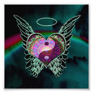 Yin Yang, asas do anjo, coração e espaço Impressão De Foto