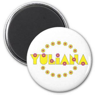 Yuliana no amarelo de Flores Imas
